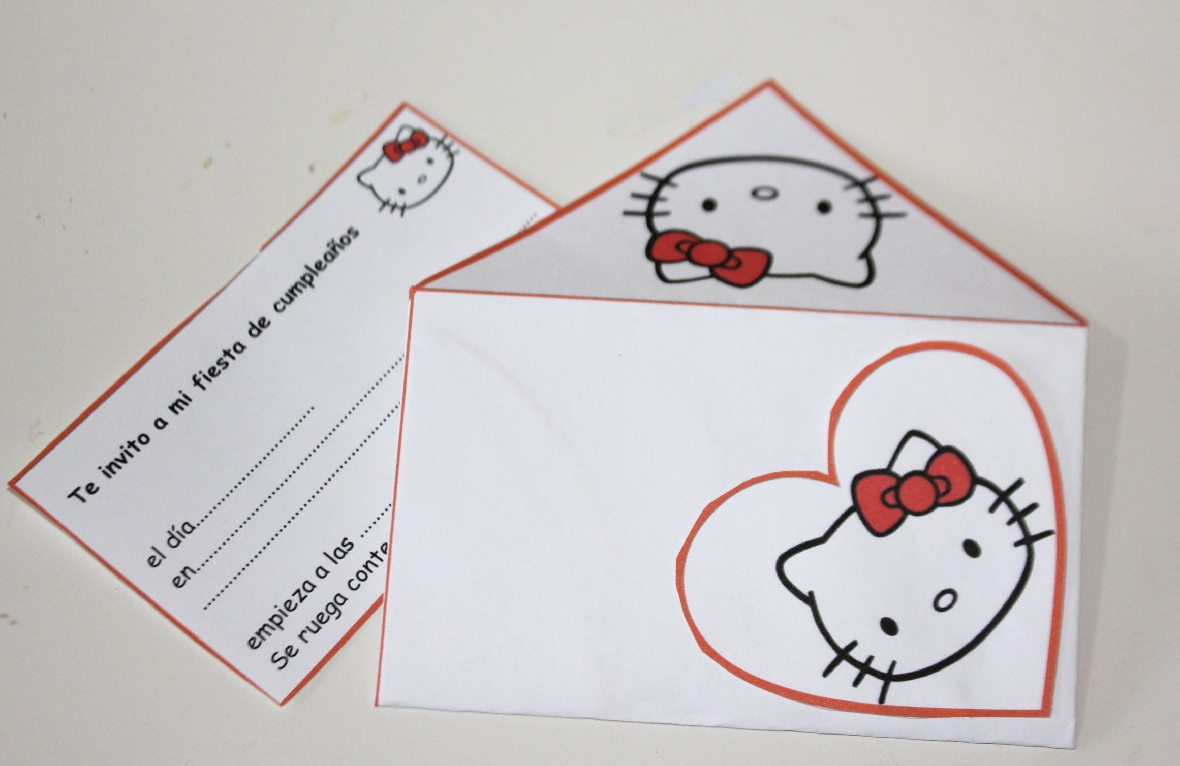 Invitación para fiesta de Hello kitty, Monster, Batman