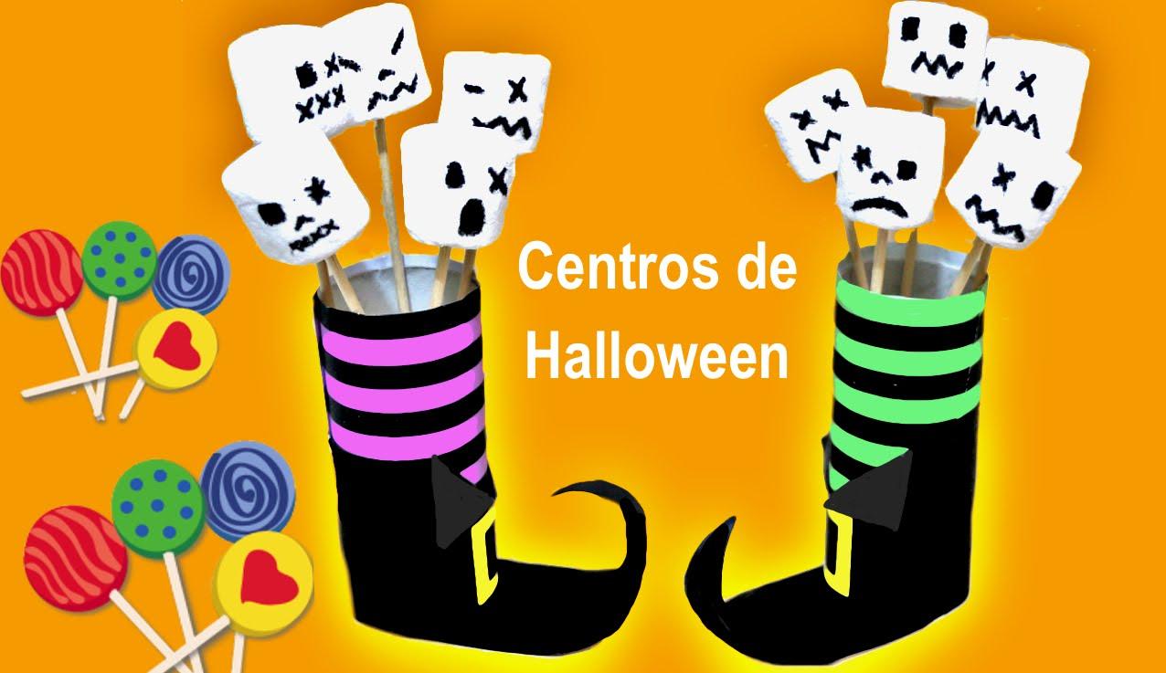 Centro de bota de bruja para Halloween con rollos de papel